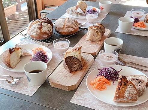 【大人気☆リピートレッスン】4/18日・19日・26日:簡単フォカッチャ/玉ねぎとチーズのカンパーニュ